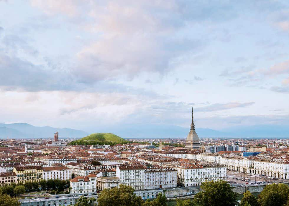 New 'sponge mountain' could combat pollution in Turin