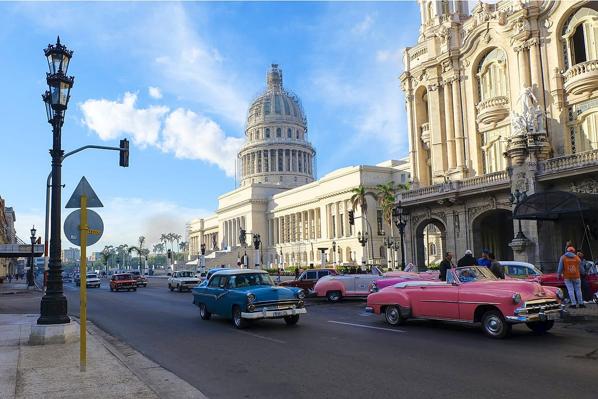 A museum on wheels: hundreds of vintage cars parade at Havana festival