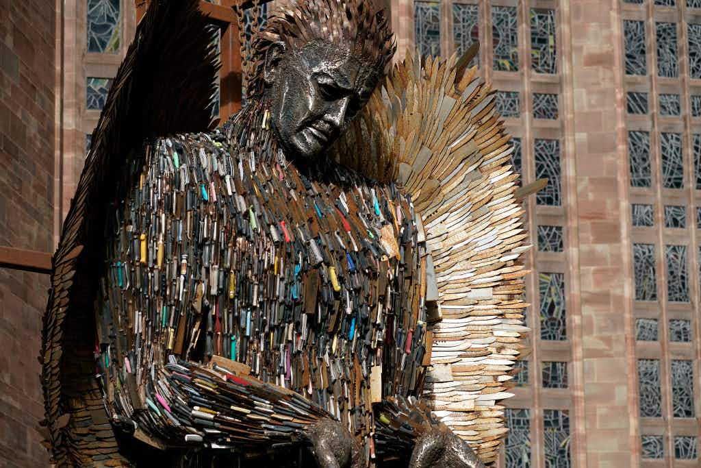 100,000 knives make up this incredible sculpture with an important message