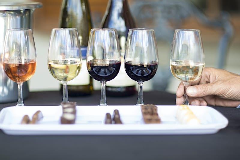 Travel News - Wine degustation with chocolates