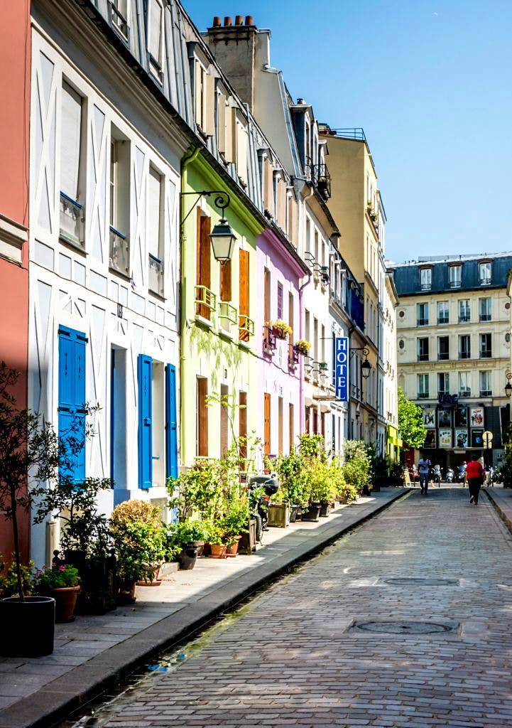 Travel News - Rue Crémieux