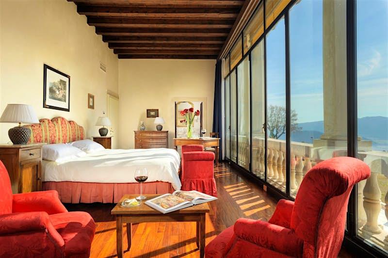 A bedroom at Villa Michelangelo in Italy