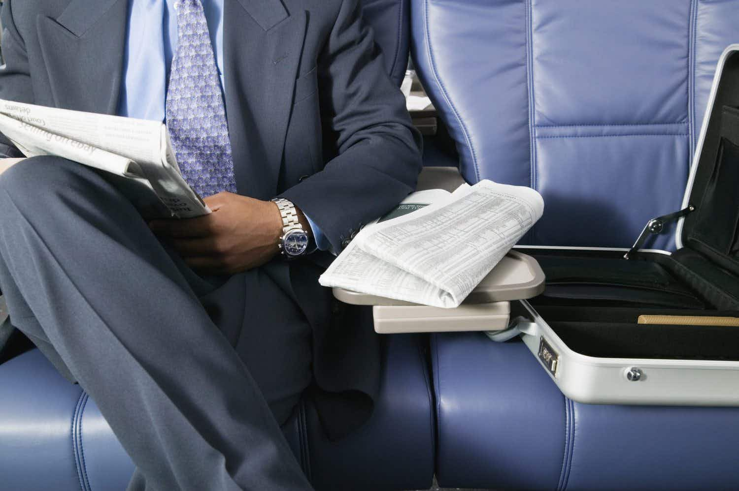 This airline's new fare guarantees an empty middle seat beside you