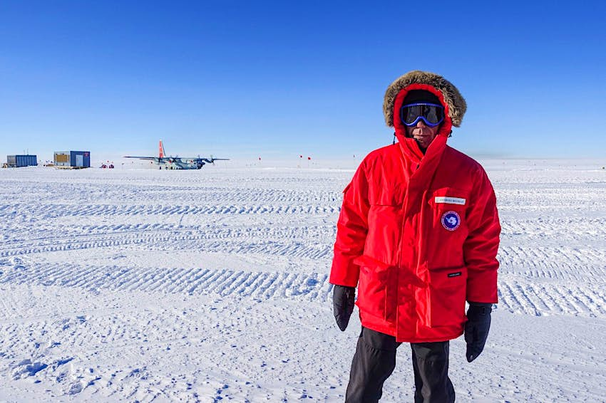 Anthony Bourdain arrives to snowy Antartica