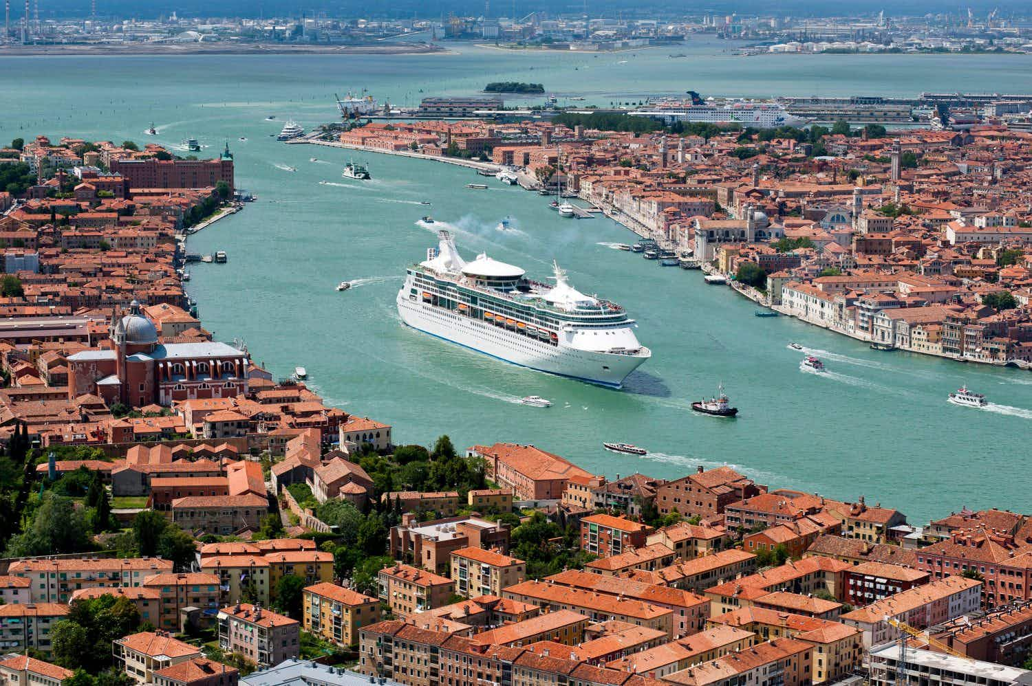 Should Venice be added to Unesco's endangered World Heritage list?