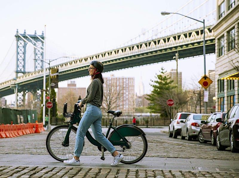 Google Maps gives travellers global bike share options