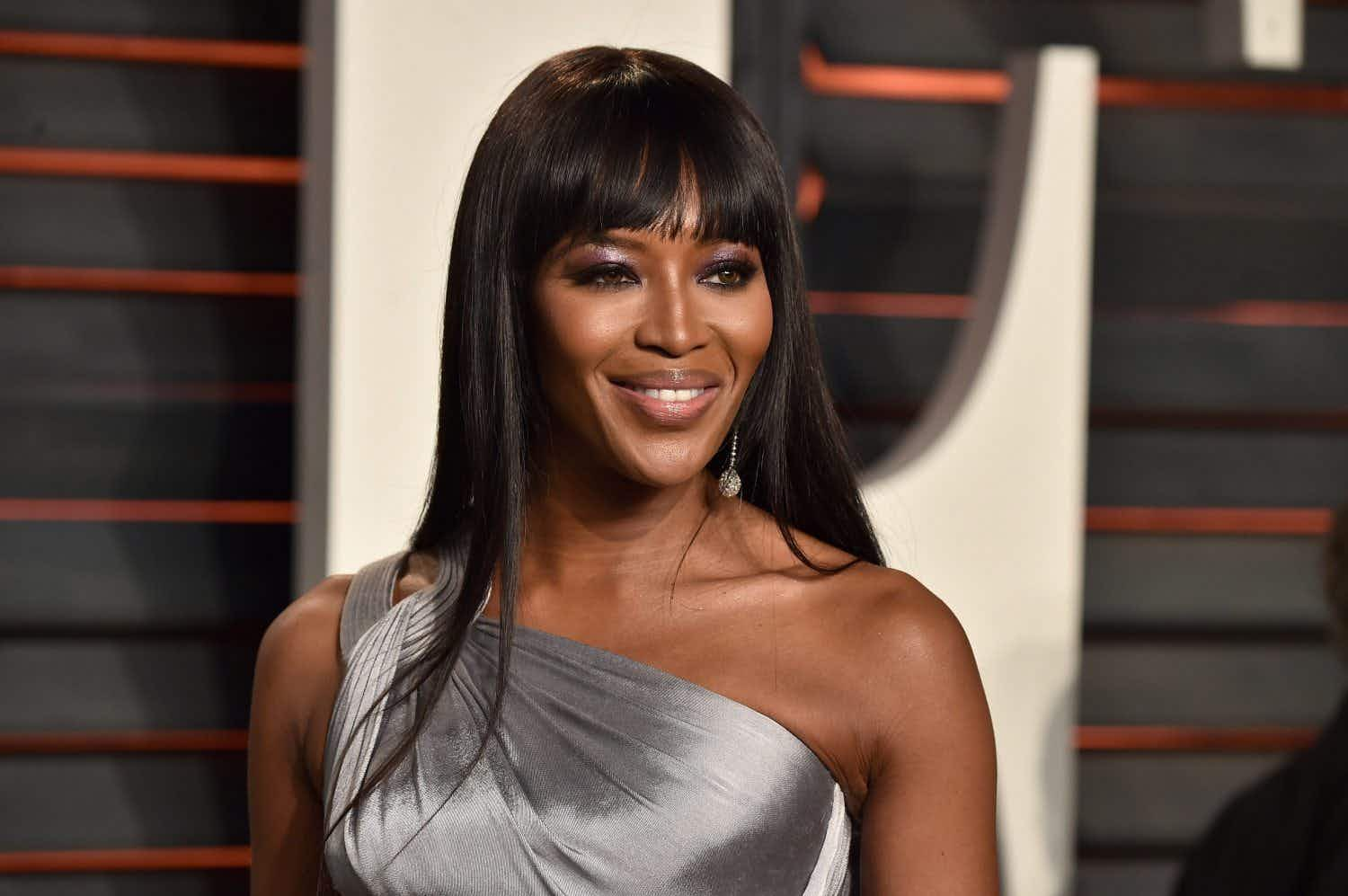 WATCH: Model Naomi Campbell scrubs down her entire plane seat before she travels