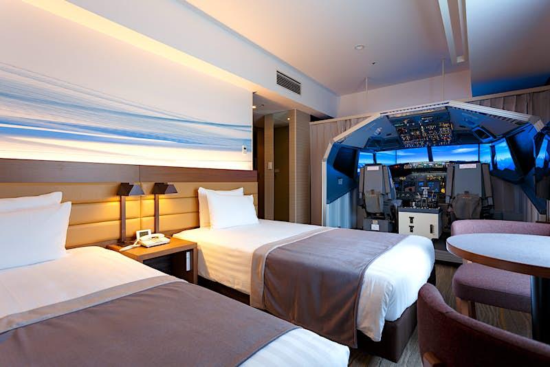 Haneda Excel Hotel Tokyu's Superior Cockpit room features the simulator.