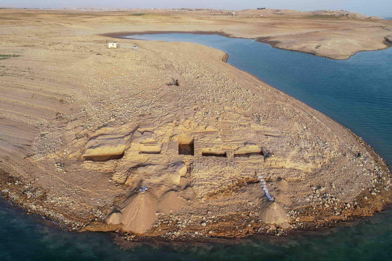Mysterious 3400-year-old palace emerges from the Tigris River during drought