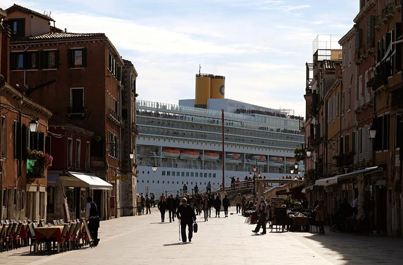 The big cruise ships in Venice